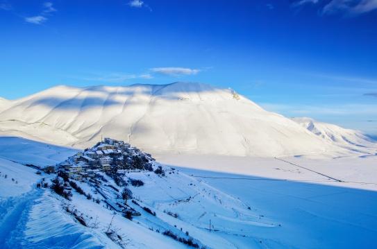 winter-in-castelluccio-di-norcia-2